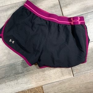 {Under Armour} heat gear fitted running shorts